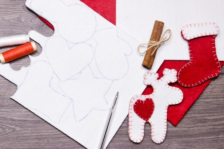 DIY Hand Sewn Felt Christmas Ornament Tutorial - Materials