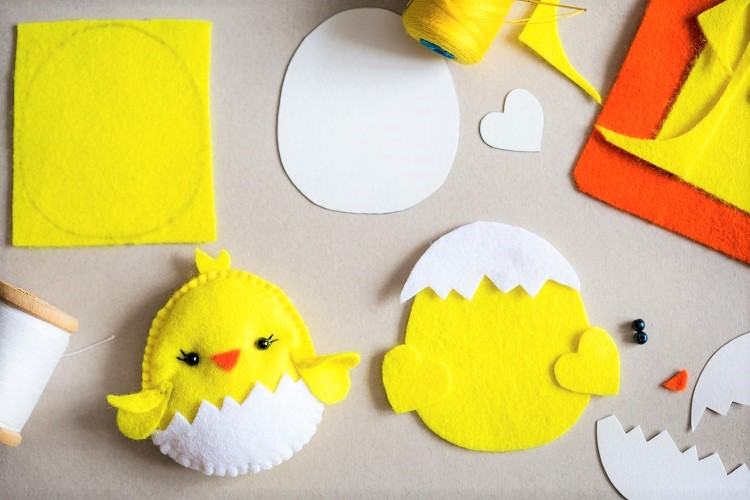 DIY Easter Ornament Tutorial - Sewing